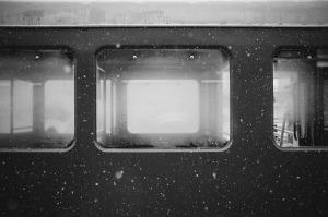 train-569323_1920